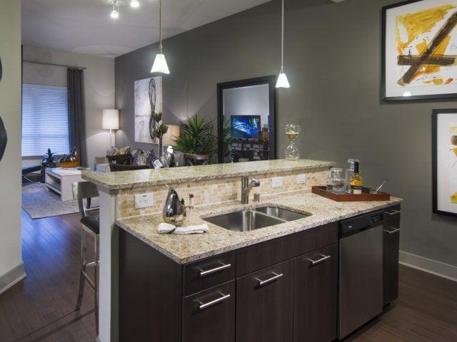 Uptown Dallas Apartment Locators