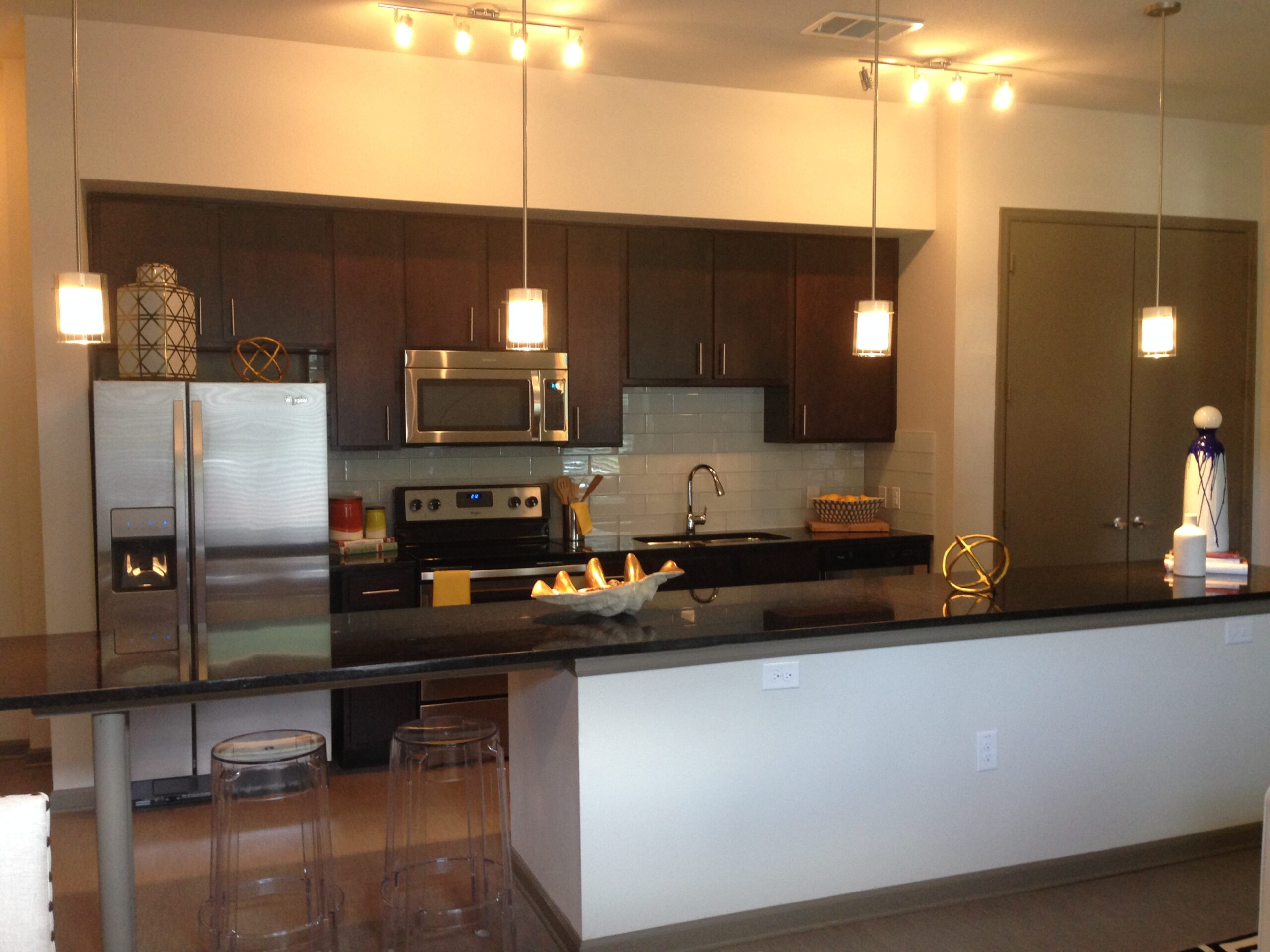 Apartment stainless steel
