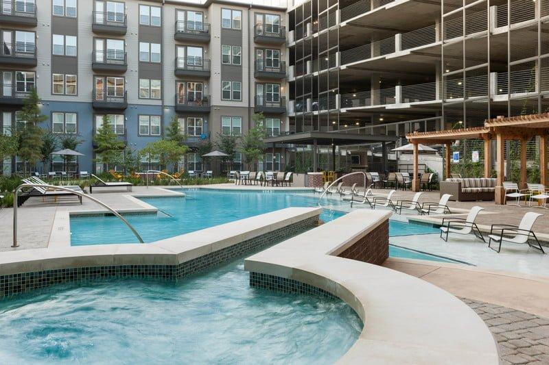 Apartment Pool Uptown Dallas
