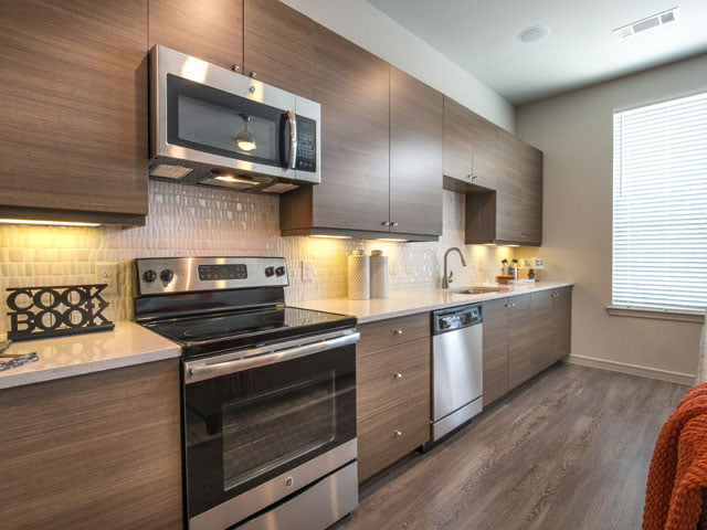 uptown Dallas apartment finders