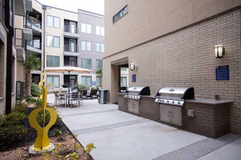 uxury-uptown-apartment-locators
