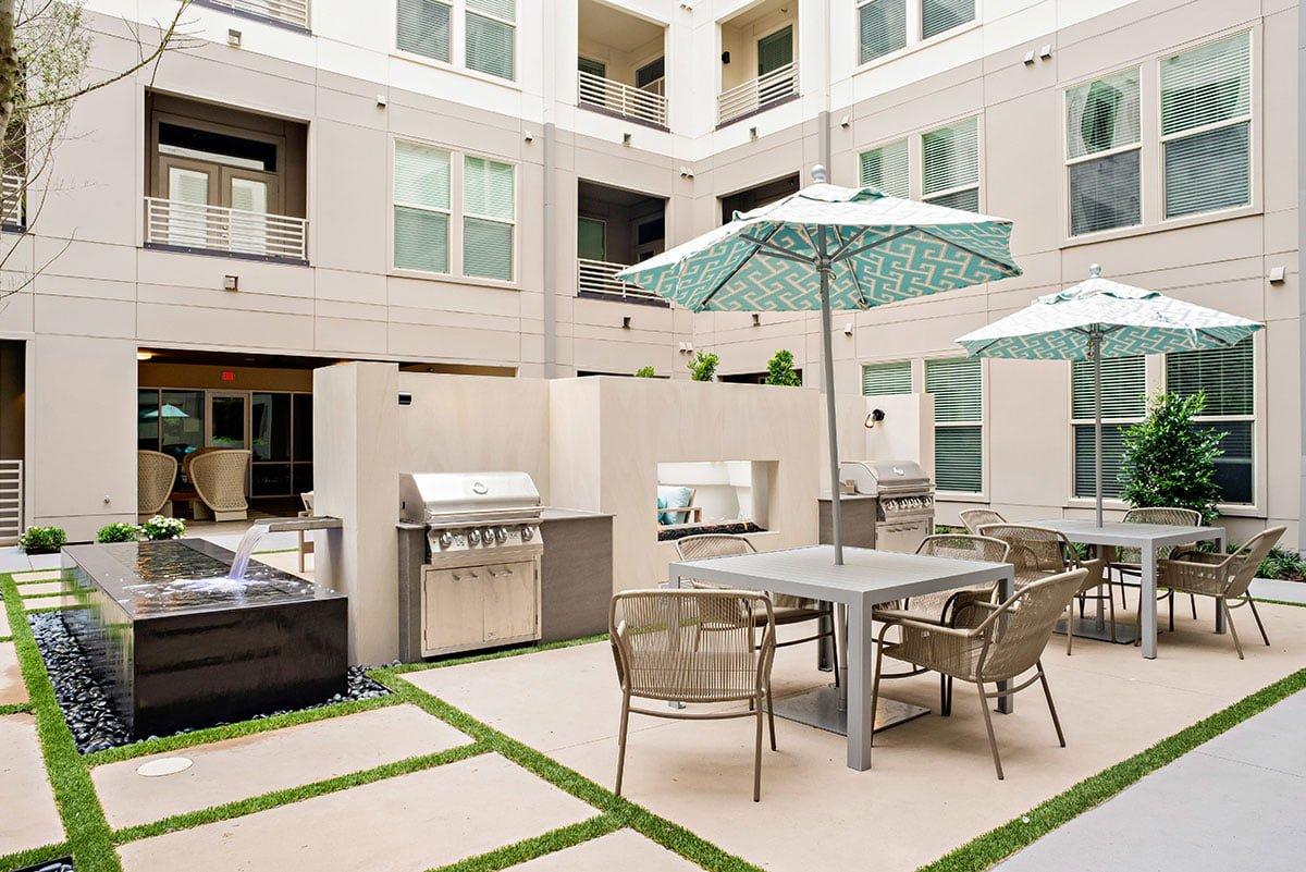 555 Ross Downtown Dallas Apartments | DFW Apt Nerdz