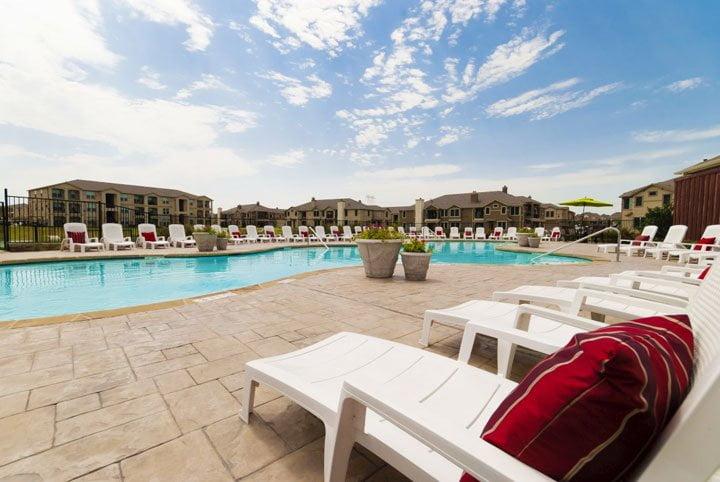 Resort-Style-Pool-2