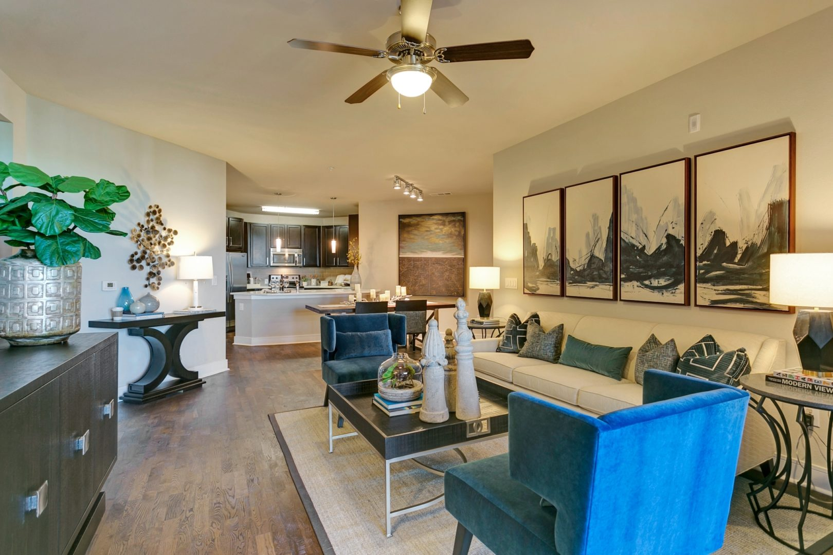 Armstrong at Knox Luxury Rentals