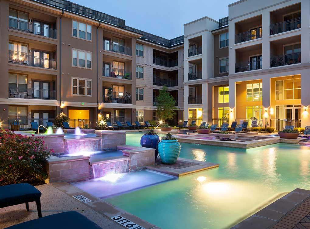 amli on maple luxury apartments dfw apartment nerdz