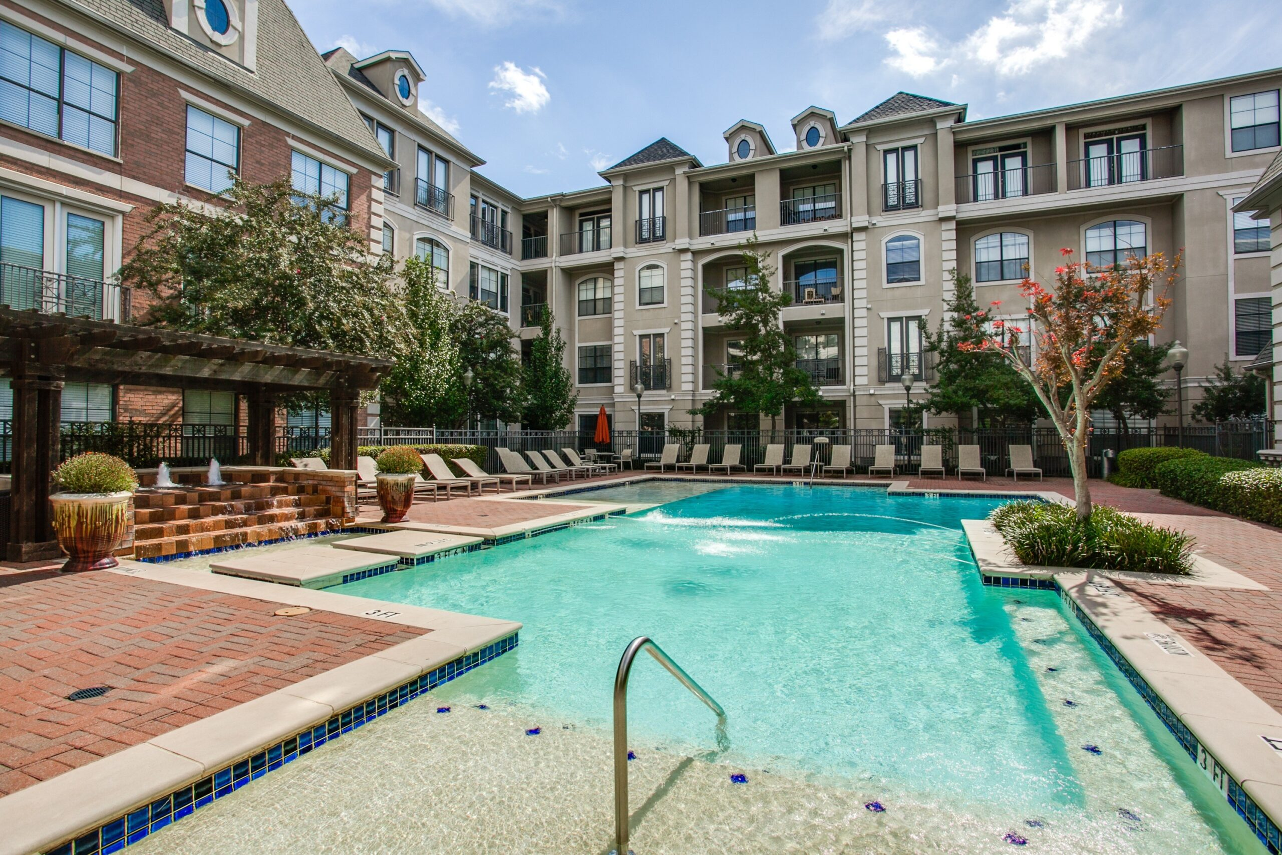 luxury apartments dallas