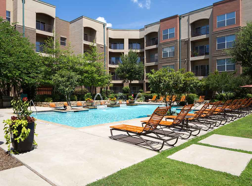 Richardson Apartment Courtyards · Richardson Apartments Near Cityline ...