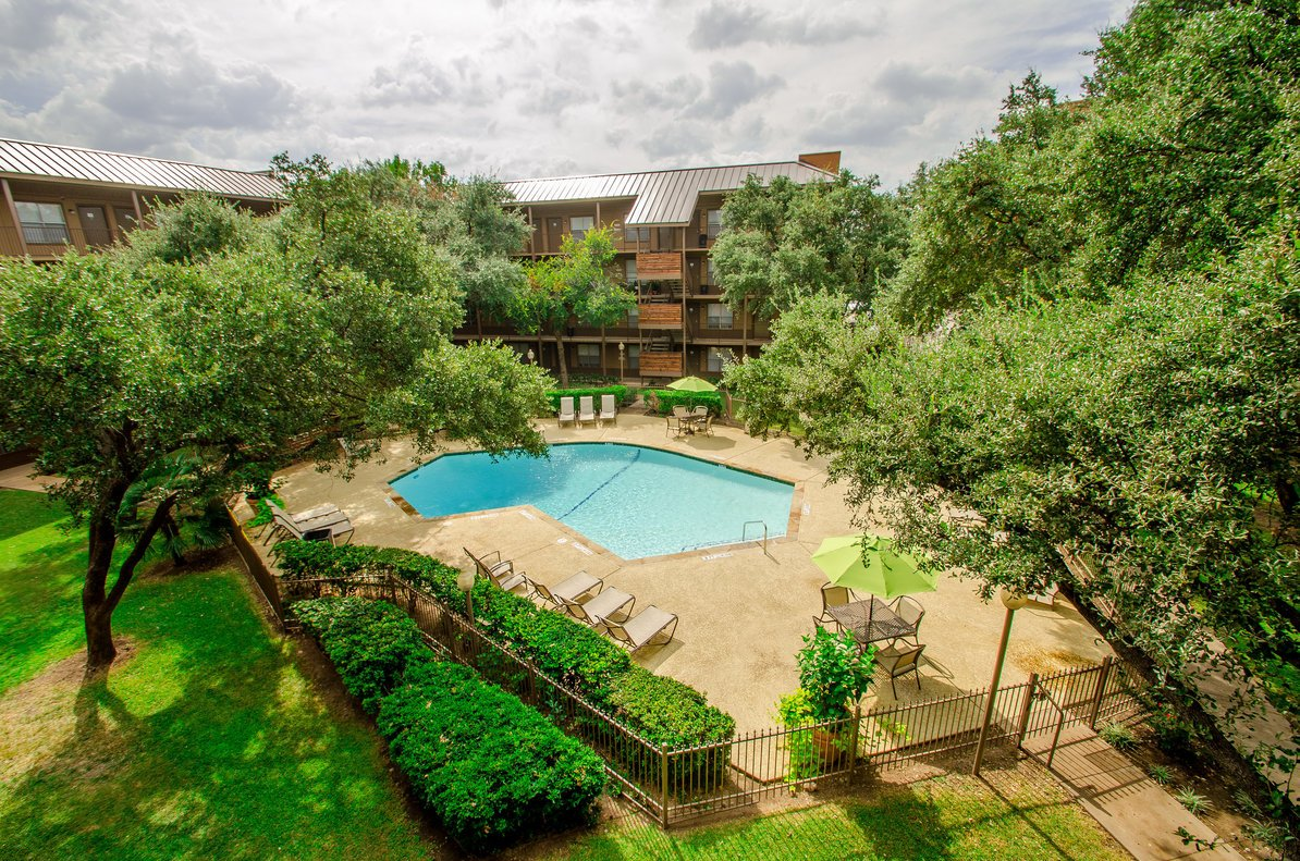 apartment locator dallas