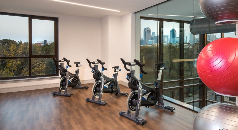 apartments in dallas with spin room