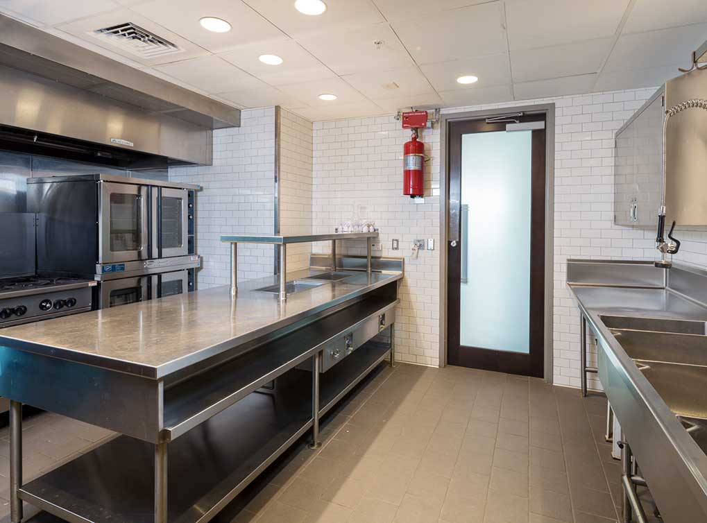 designdistrict-amenity-exterior-resident-kitchen1