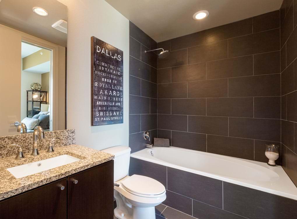 designdistrict-apartment-interior-bathroom