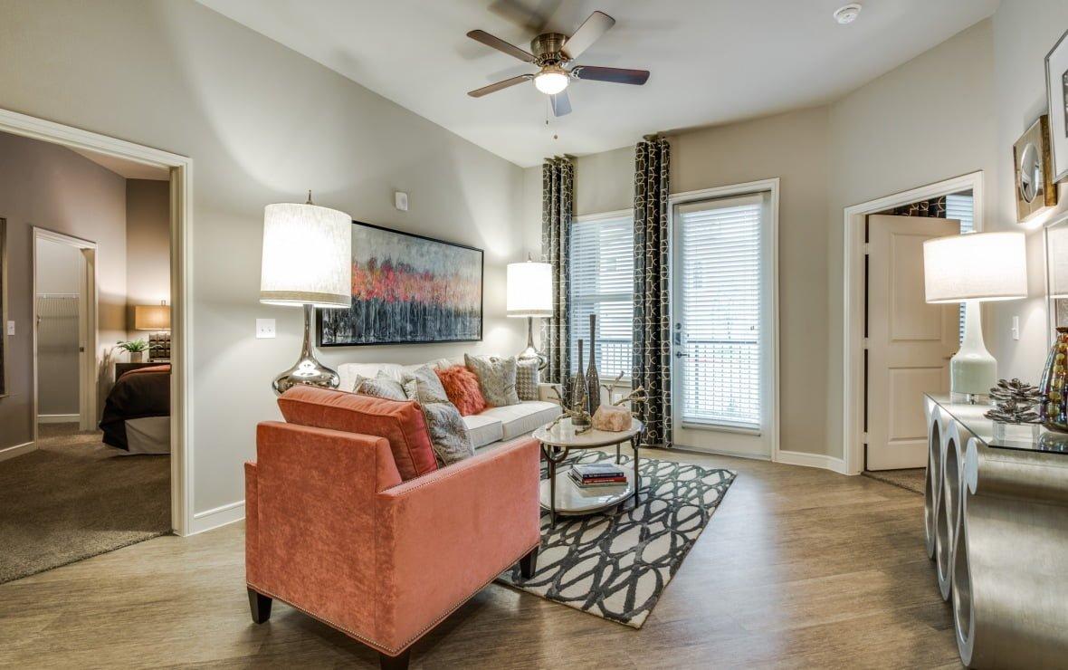 Luxury Frisco Apartments With Yard! | DFW Apt. Nerdz