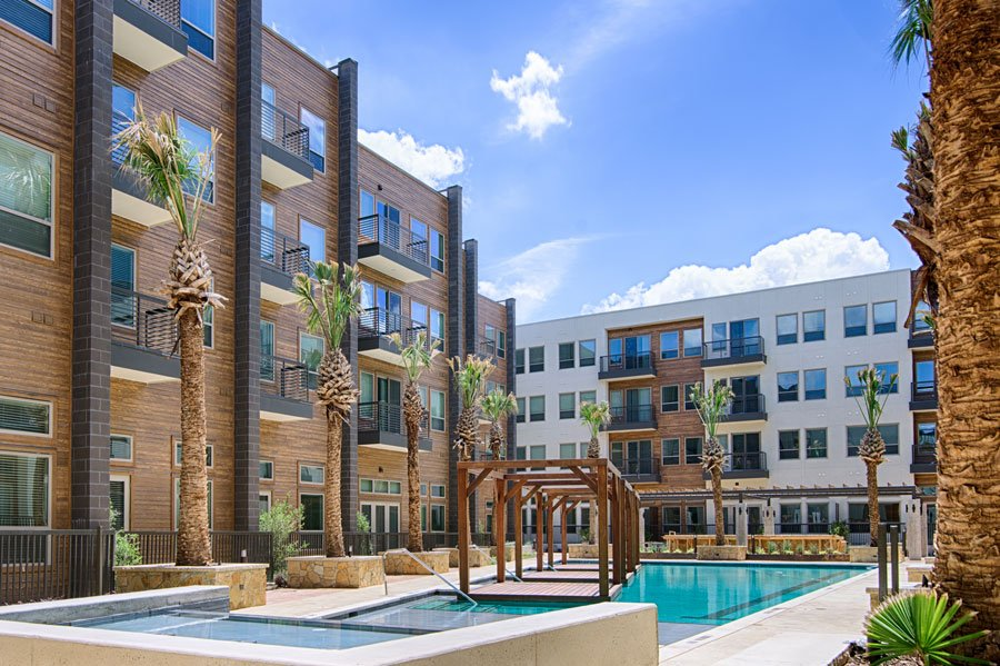 best apartment pools in dallas