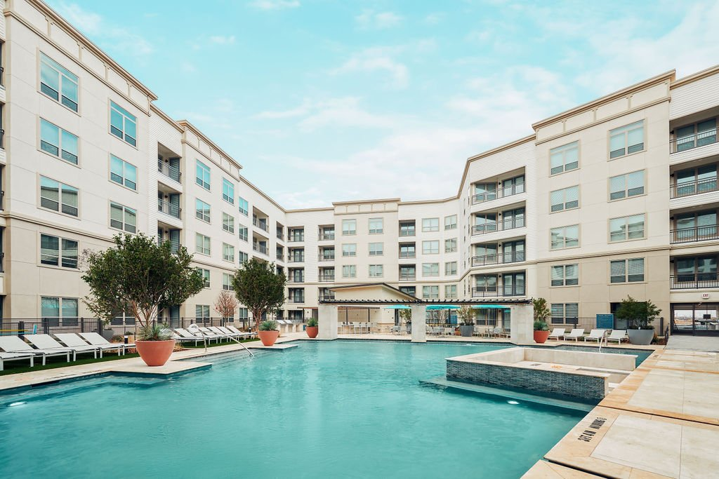 luxury firsco tx apartment pool