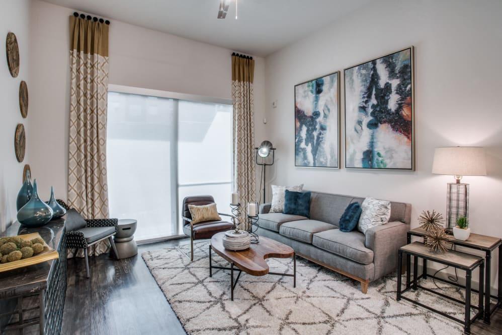 new luxury trinity green apartments