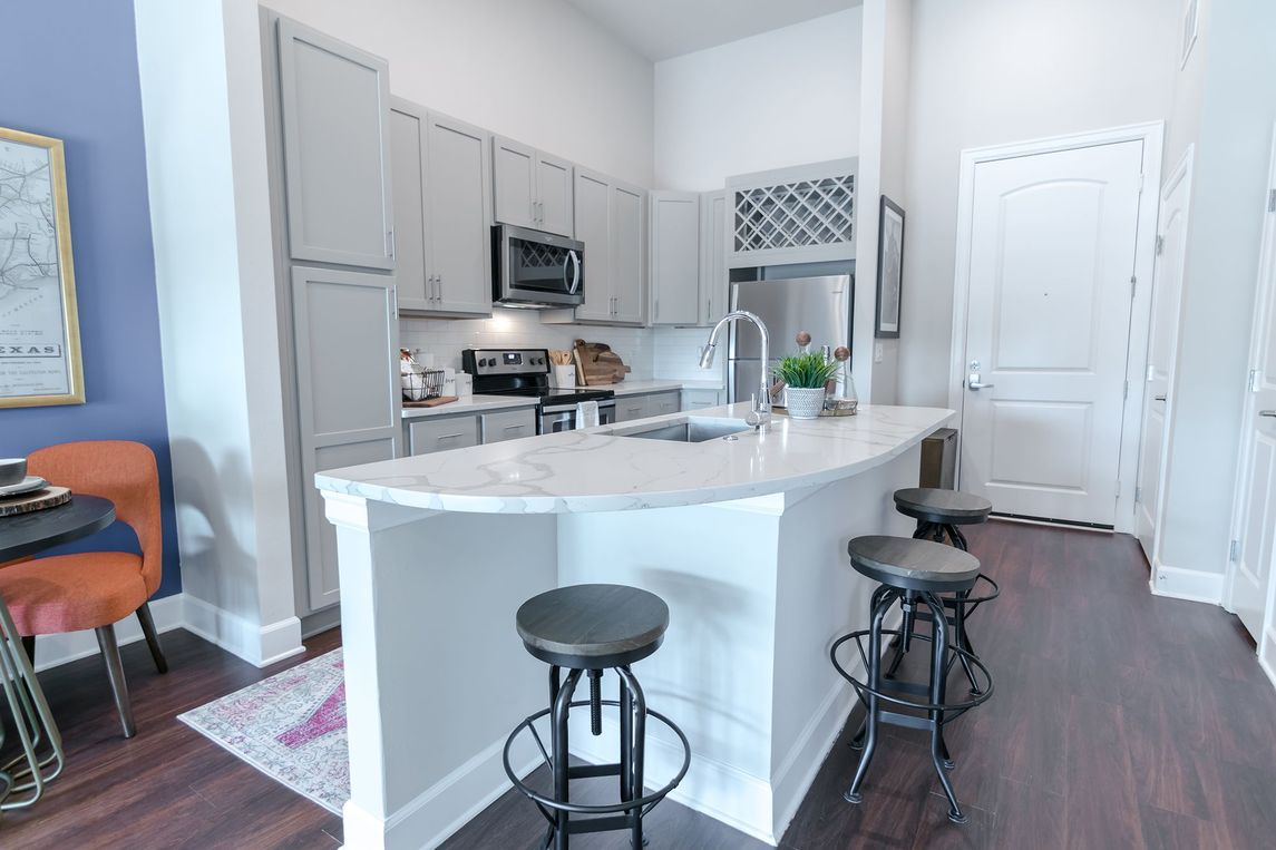 luxury apartments in carrollton