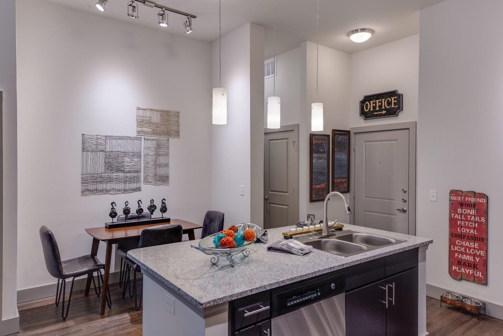 new luxury apartments in haltom city