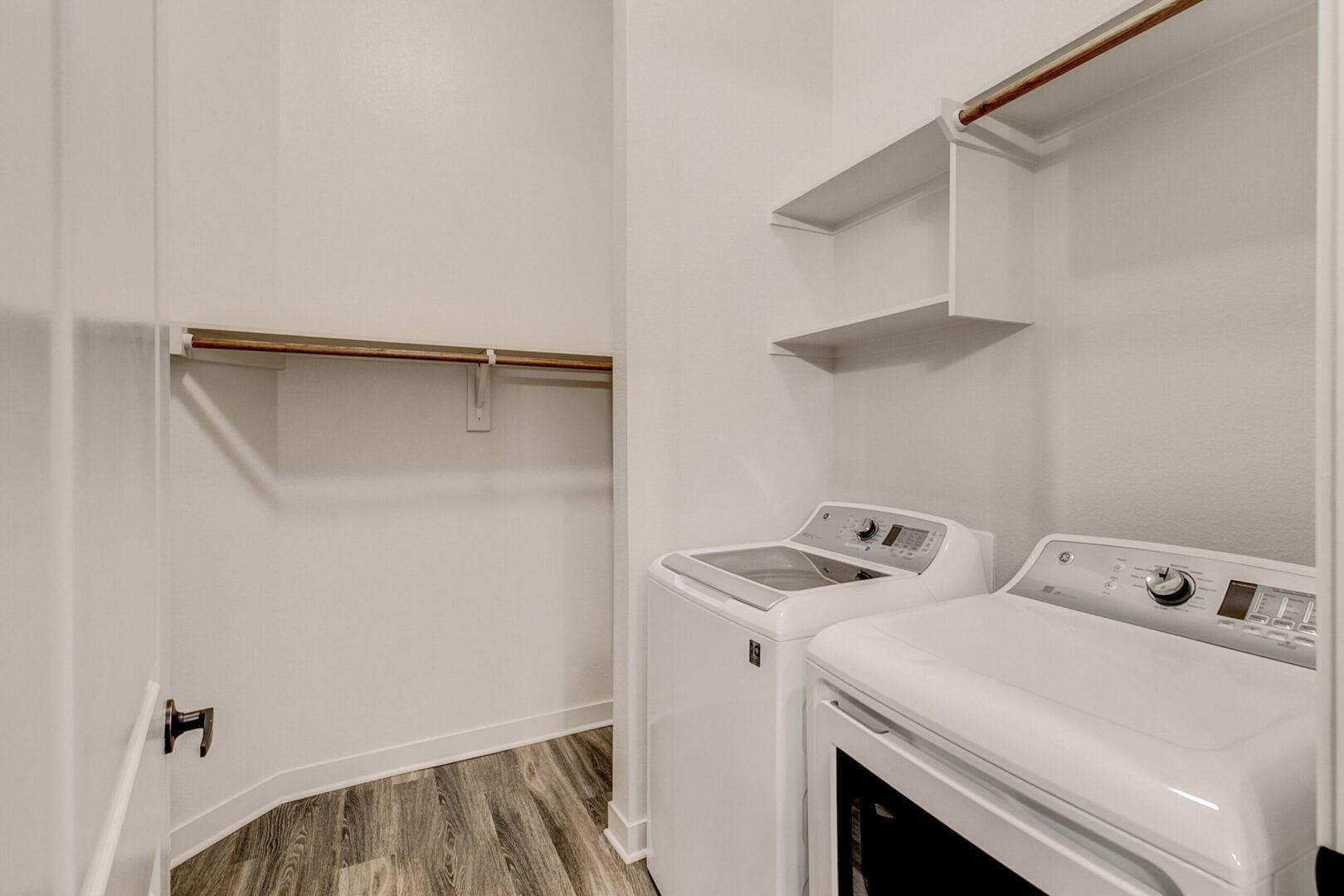 apartment locator in addision