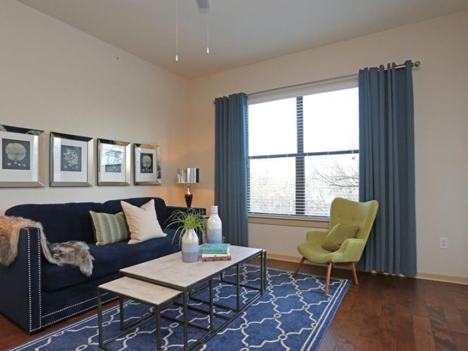 bedroom oak lawn dallas apartments1