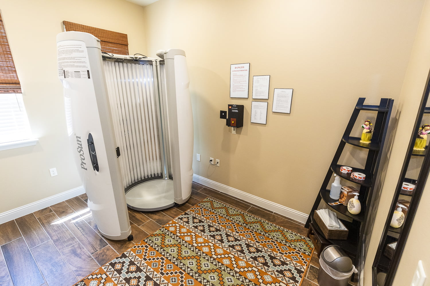 apartments with tanning bed