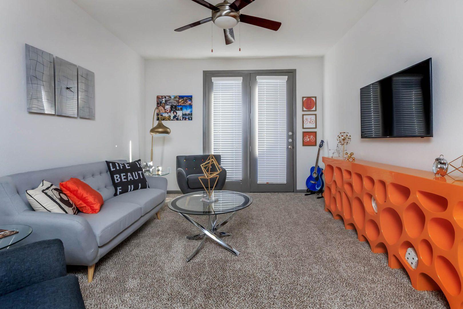 Plano 2 bedroom apartments