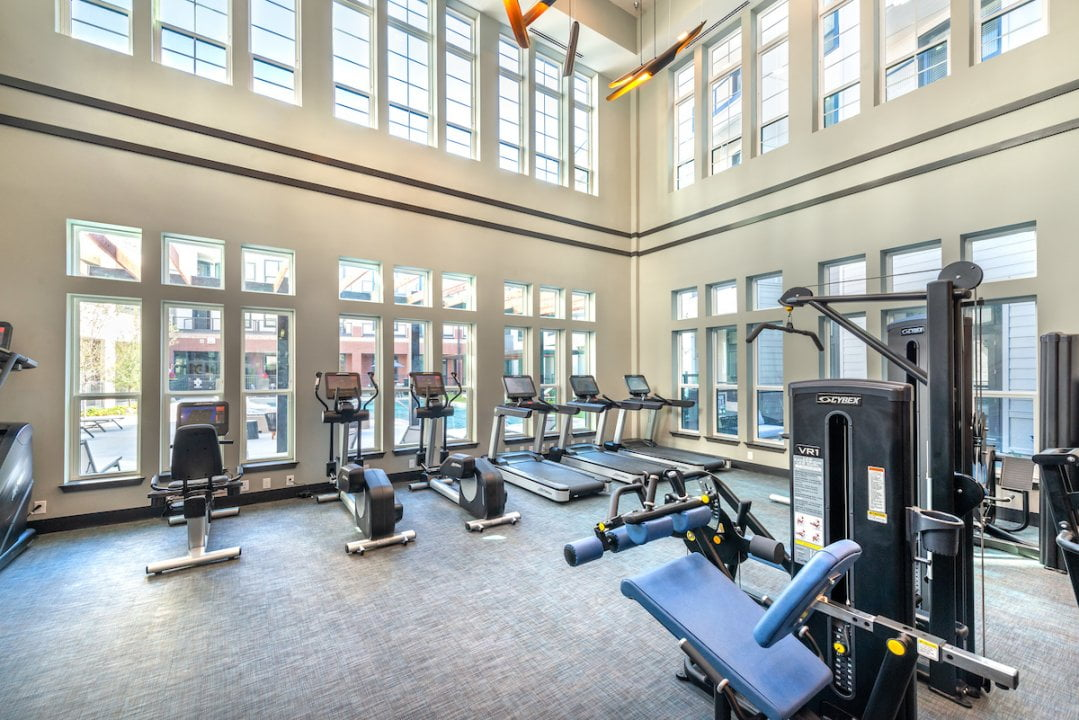 apartments with fitness center in frisco