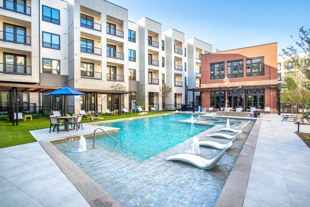 frisco square apartments