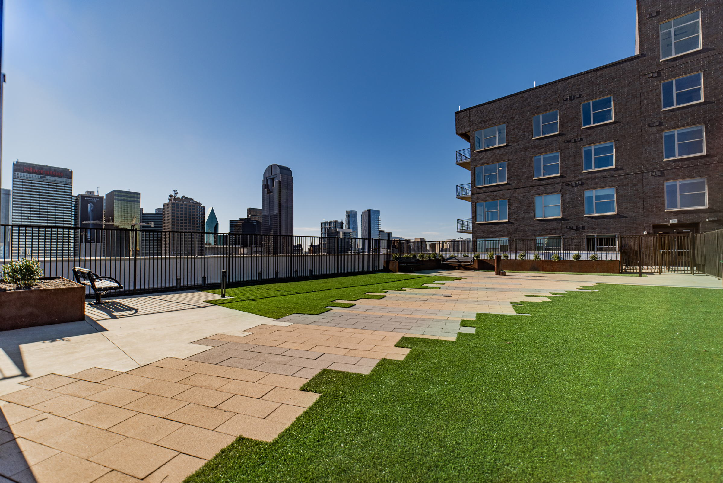 dallas apartments with roof top lounge