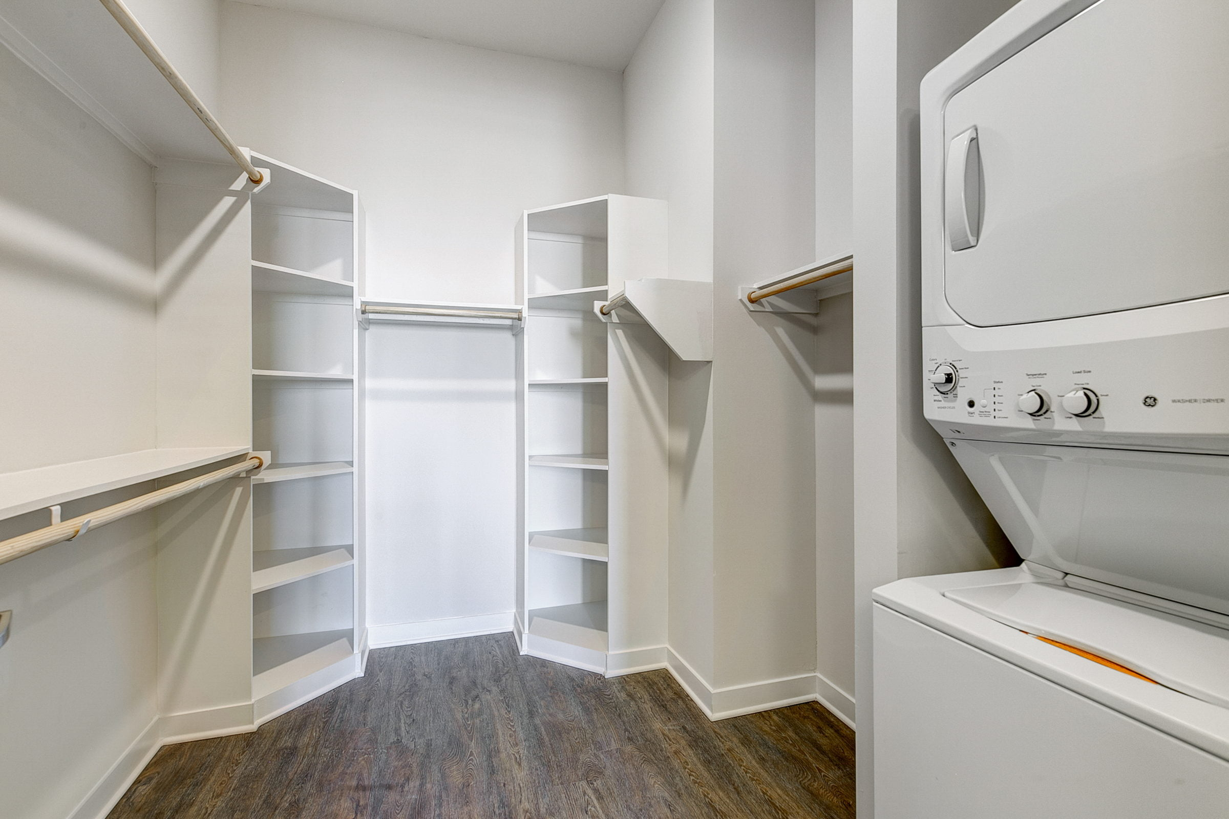 dallas apartments with walk in closets
